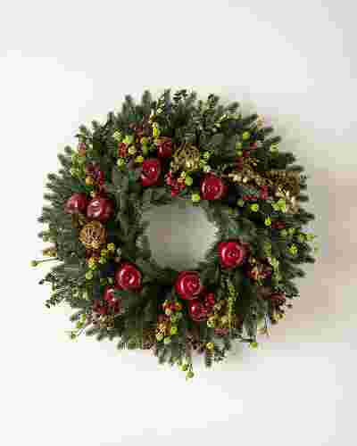 Norway Spruce Holiday Wreath Main