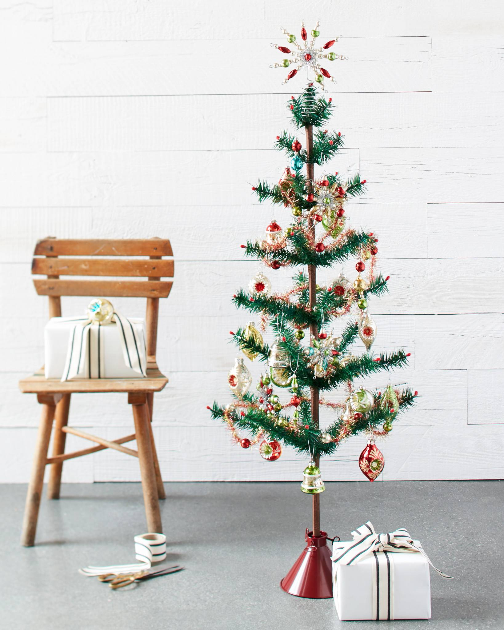 mini christmas tree decorating set by balsam hill