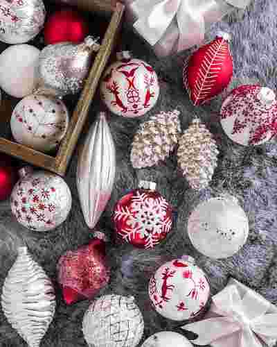 Nordic Frost Ornament Set, 25 Pieces by Balsam Hill Closeup 20