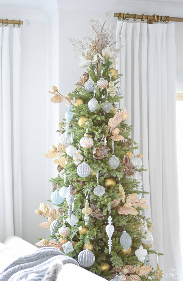 Christmas Bouquet Tree Topper | Balsam Hill UK