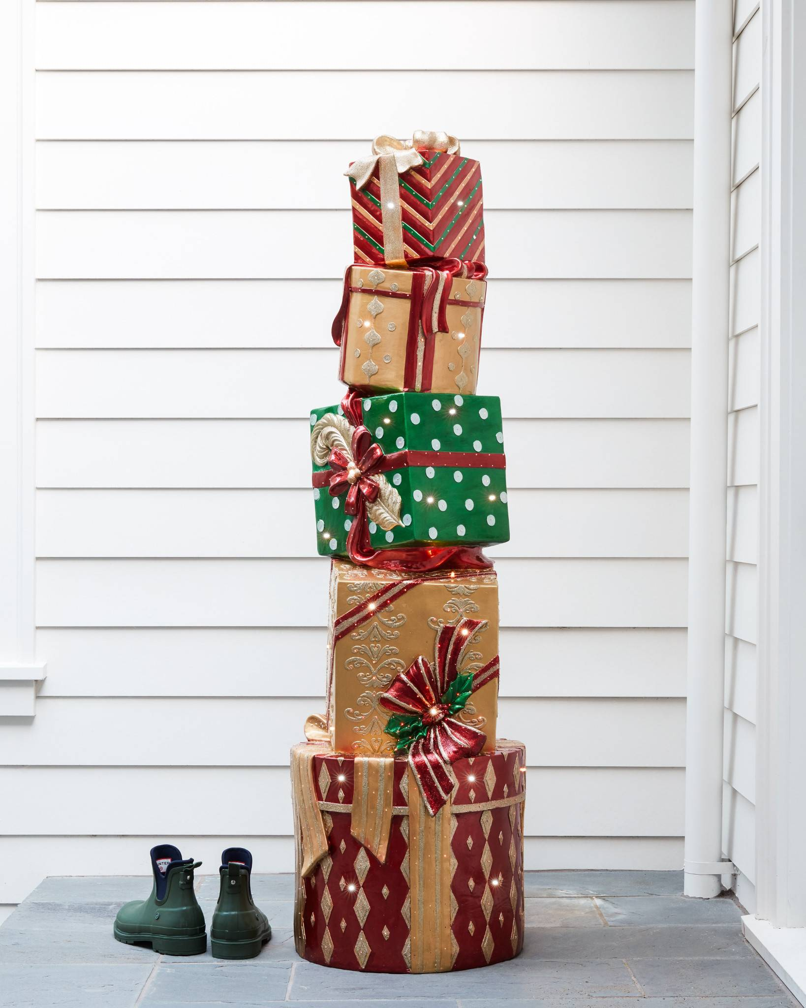 6fe2a49bc89 Outdoor Fiber Optic Dazzling Stacked Presents