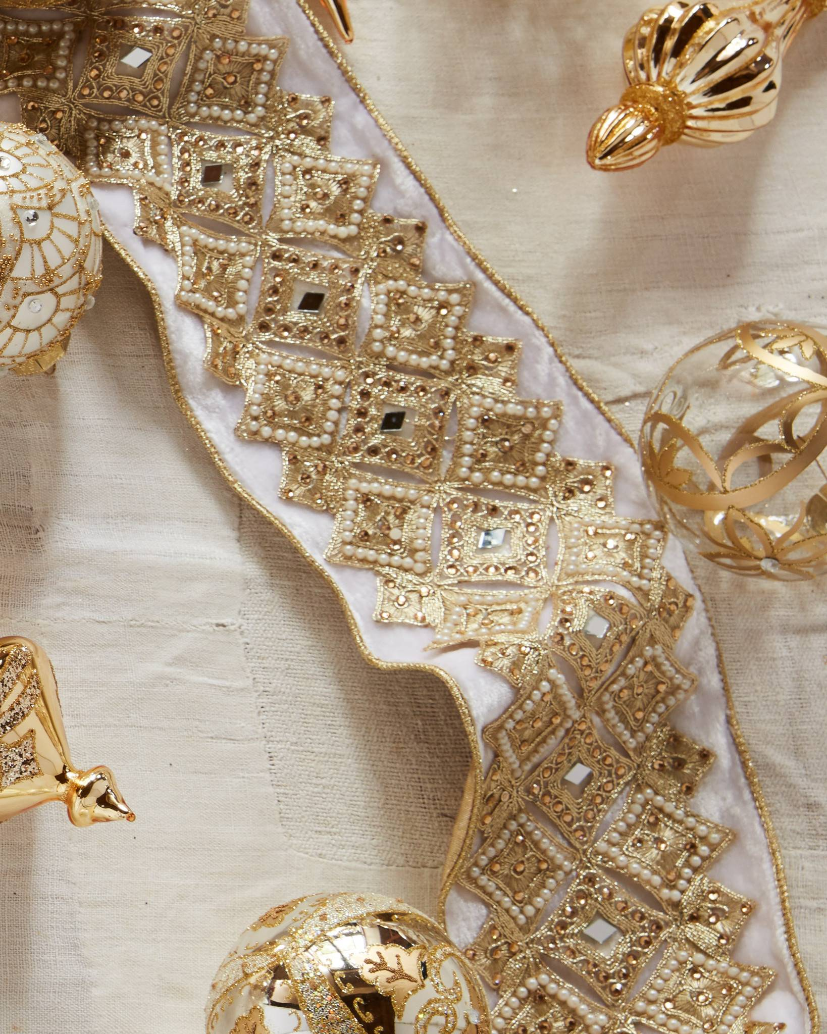 b4838c09e1eb Gold and Champagne Christmas Tree Ribbon