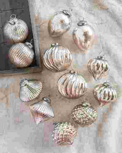 French Country Ornament Set, 12 Pieces Alt