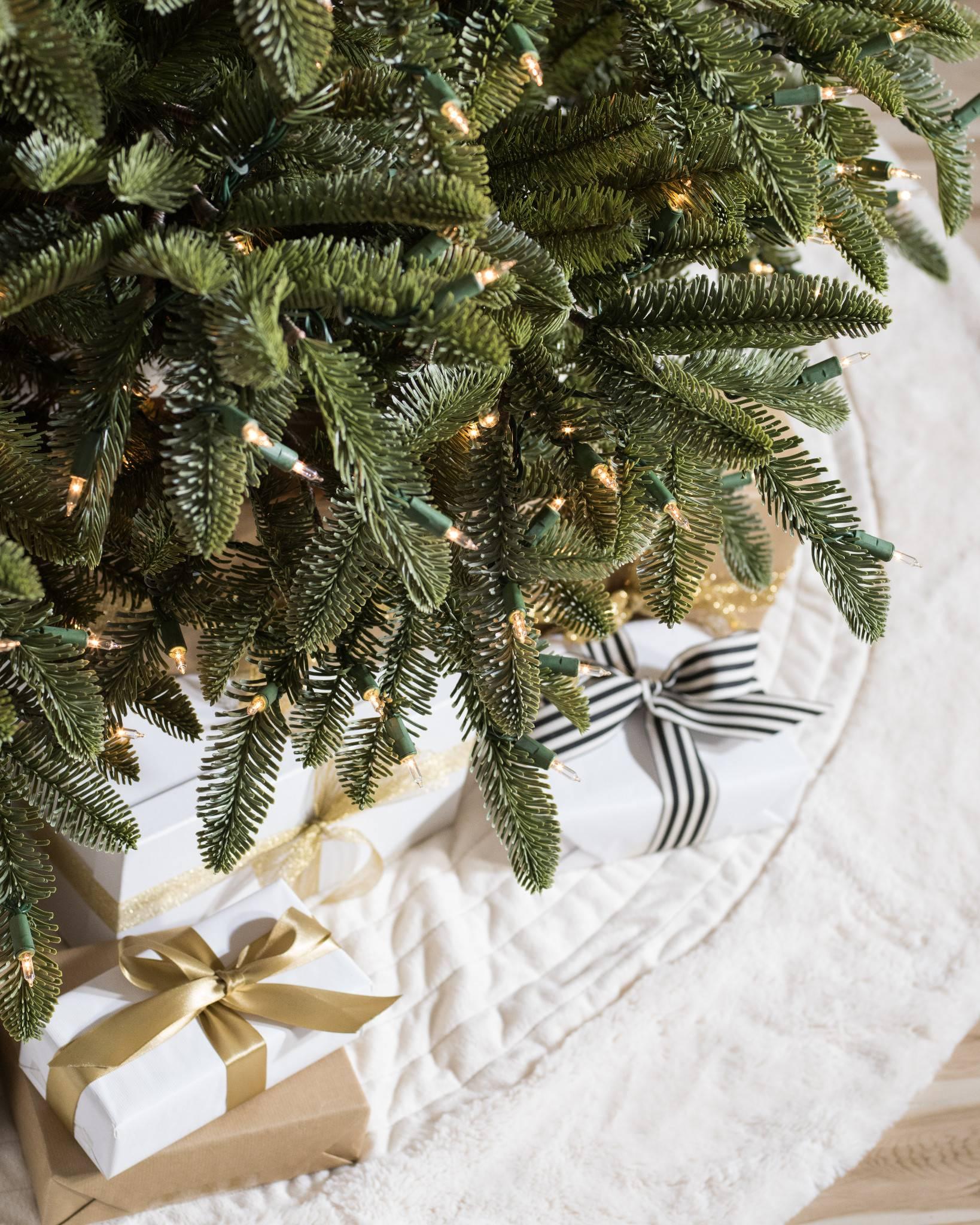 nobilistanne k nstlicher weihnachtsbaum balsam hill. Black Bedroom Furniture Sets. Home Design Ideas