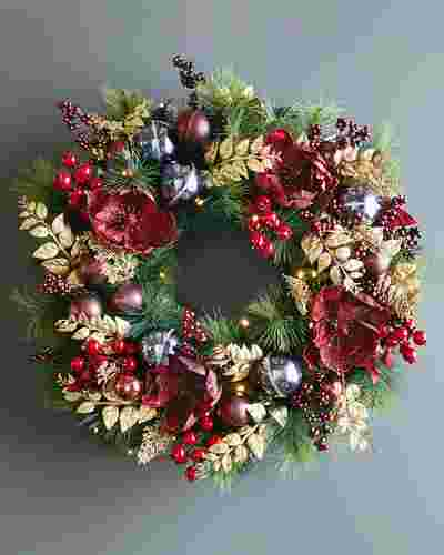Royal Windsor Wreath 28 Inches