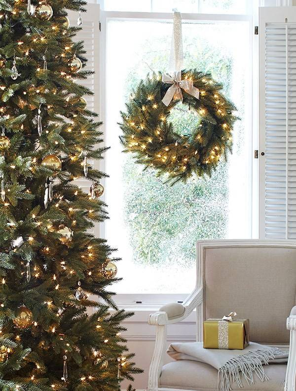 silverado slim tree 6 - Slim Christmas Tree Decorating Ideas