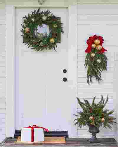 Pine Peak Holiday Wreath LED Clear 28 Inches