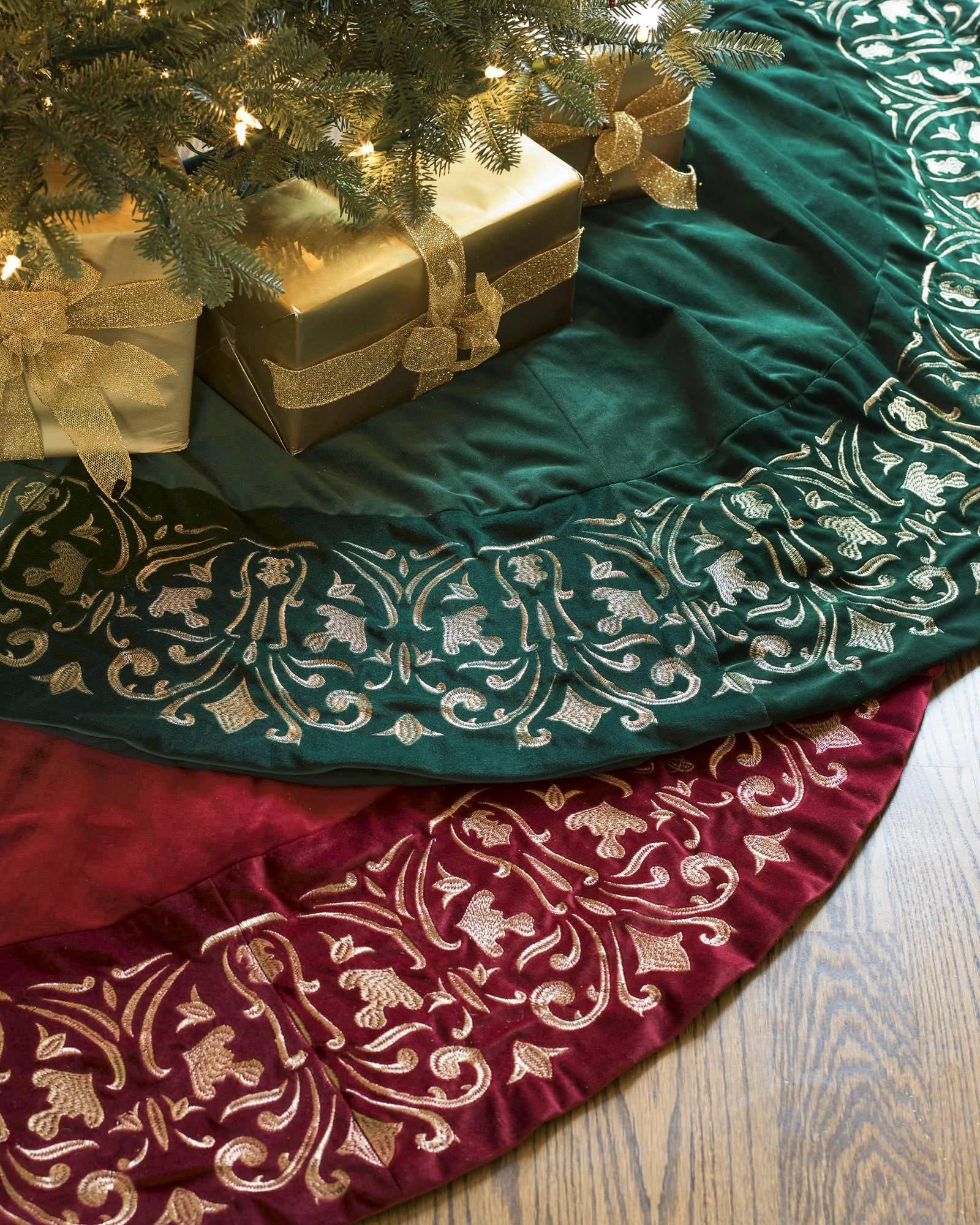 roll - Teal Christmas Tree Skirt