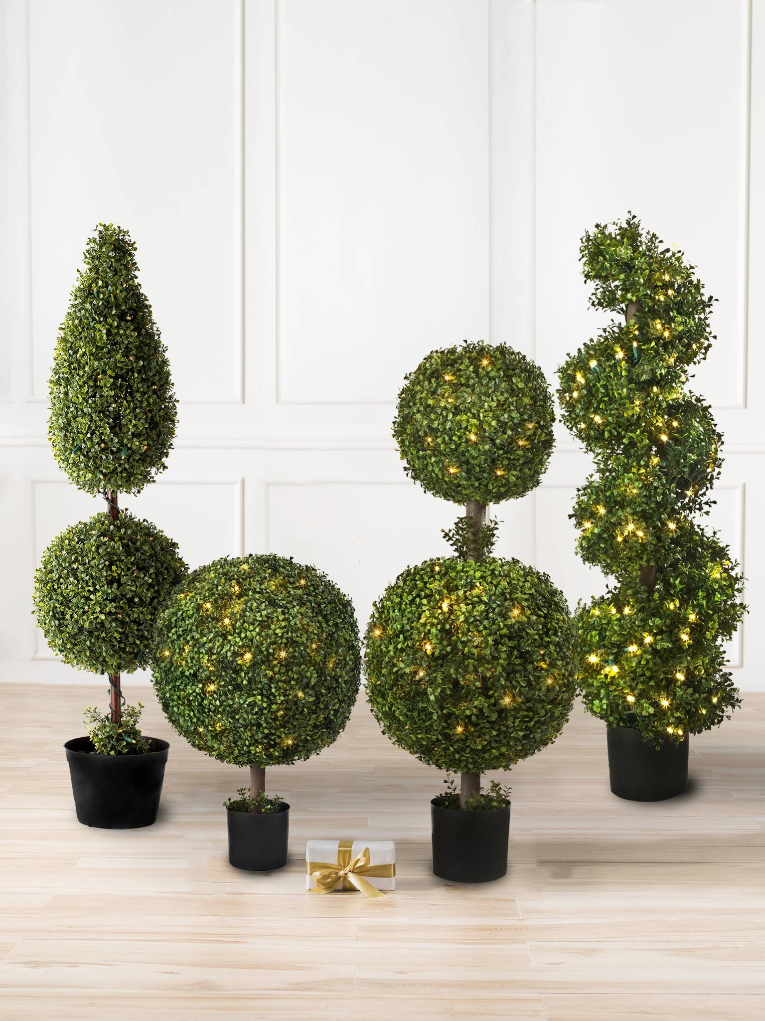 Outdoor Topiary Trees With Lights Battery operated boxwood topiary balsam hill battery operated boxwood double 1 workwithnaturefo