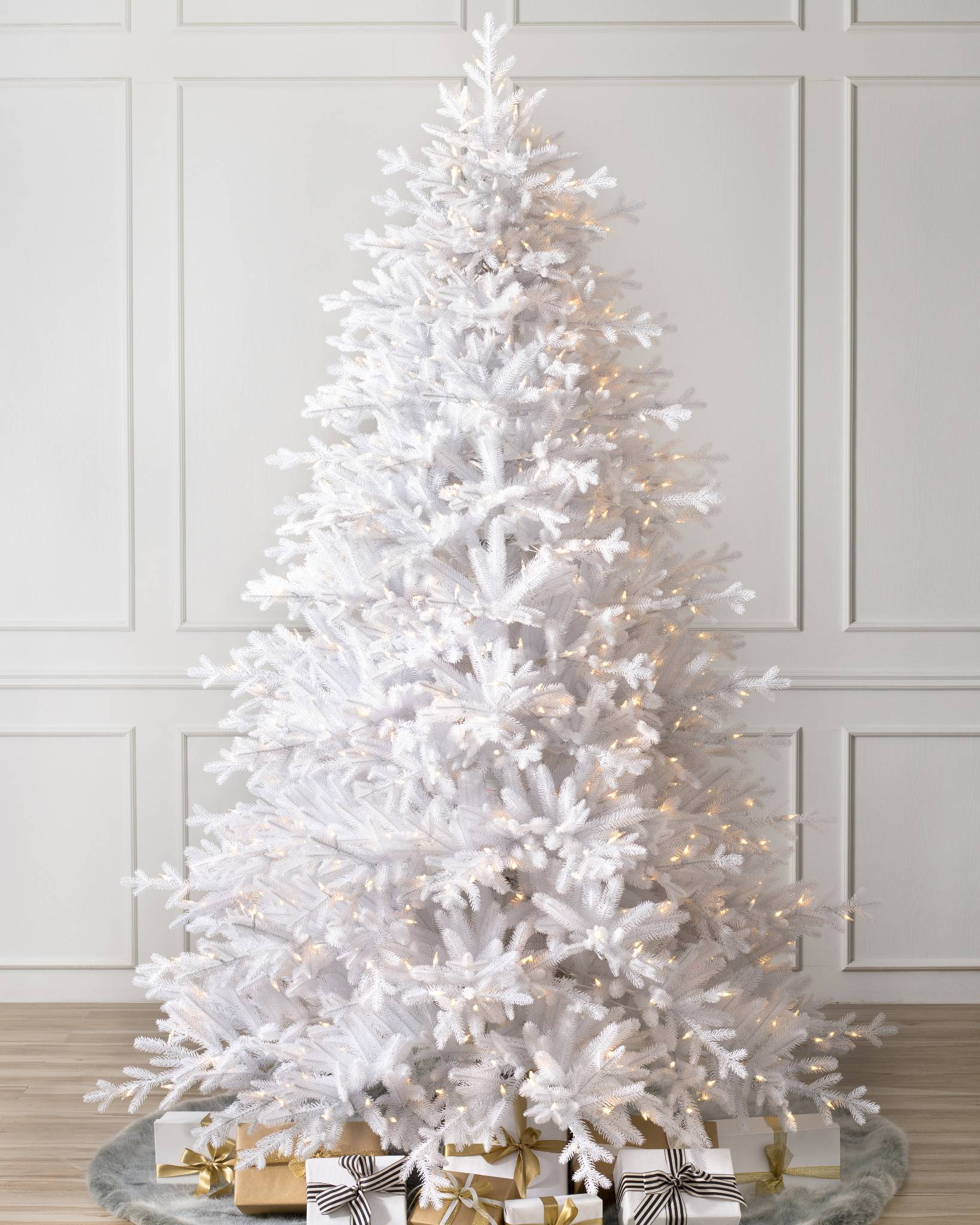 denali white artificial christmas tree balsam hill. Black Bedroom Furniture Sets. Home Design Ideas