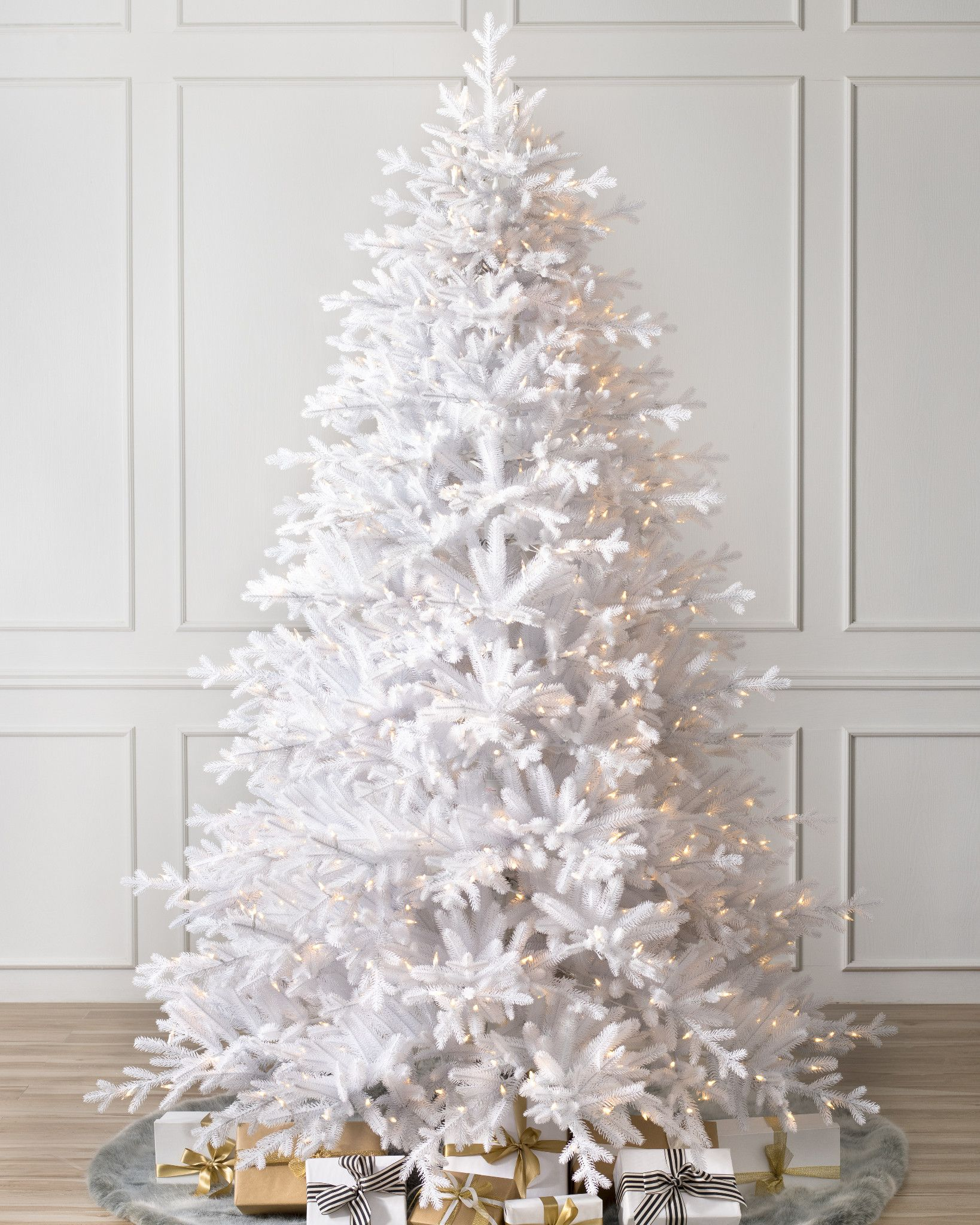 Picture of white christmas tree