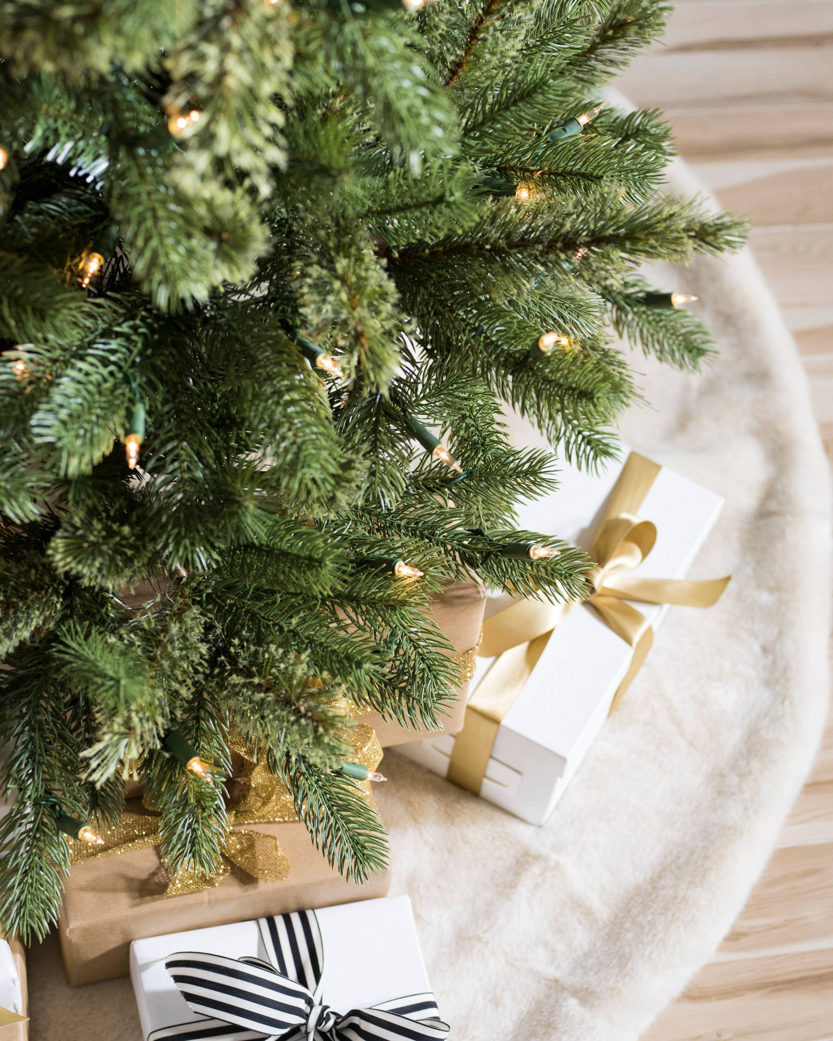 crescent hill cashmere tree by balsam hill - Cashmere Christmas Tree