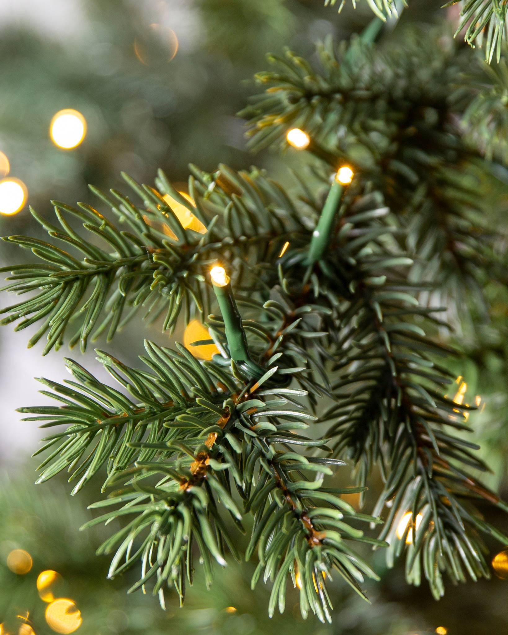 Yukon Spruce Artificial Christmas Tree | Balsam Hill